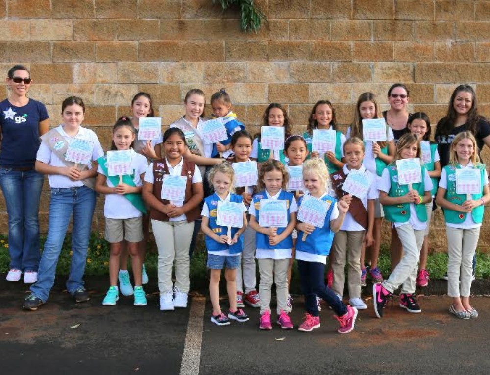 KAUAI GIRL SCOUT TROOPS HONORED VETERANS AT  KAUAI VETERANS DAY PARADE
